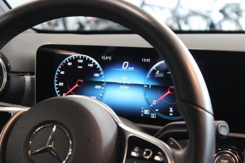 MERCEDES-BENZ A 180 Progressive 2019 model, Progressive, Widescreen Cockpit, Park Pilot