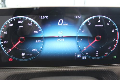 MERCEDES-BENZ A 200 Progressive Progressive, Widescreen Cockpit, Park Pilot, 2019 model, LED High Performance